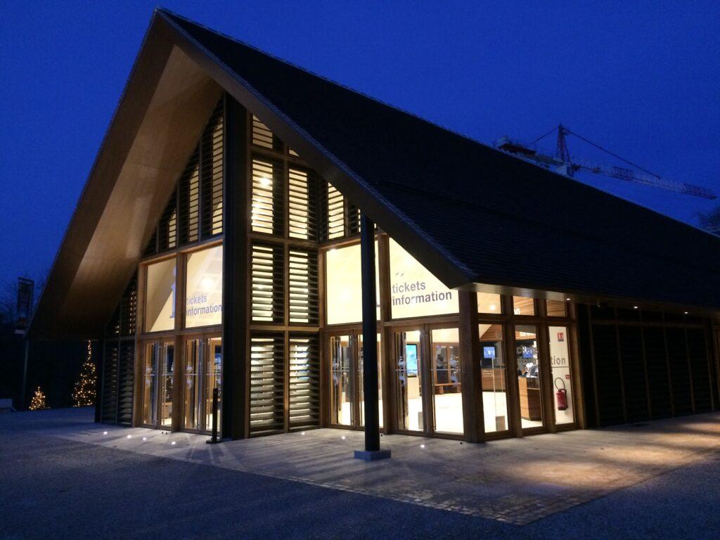 La halle d accueil du ch teau de chambord en ligne sur l - Halle d entree ...